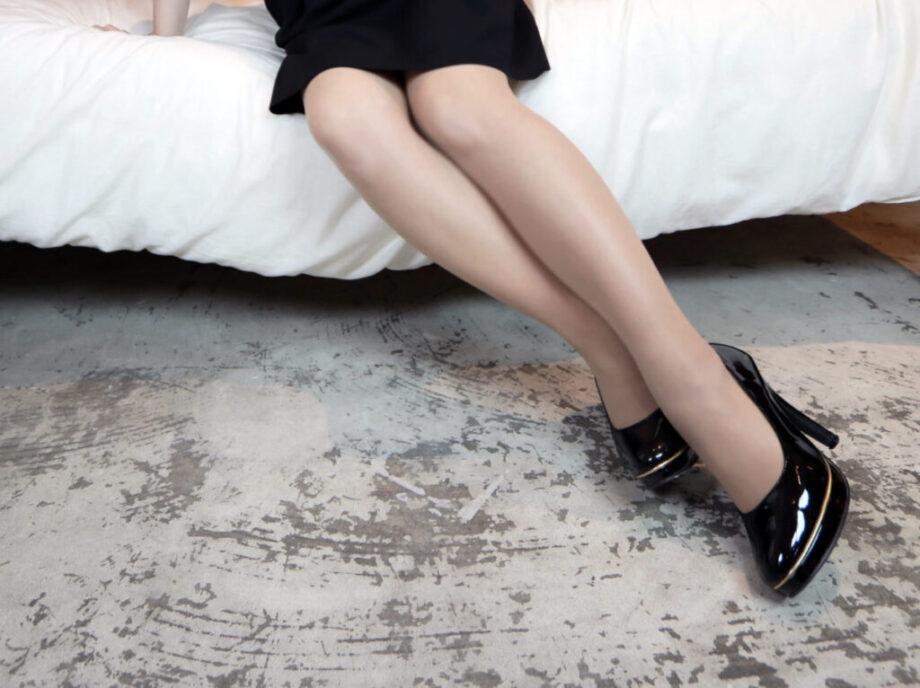 stockings.heel