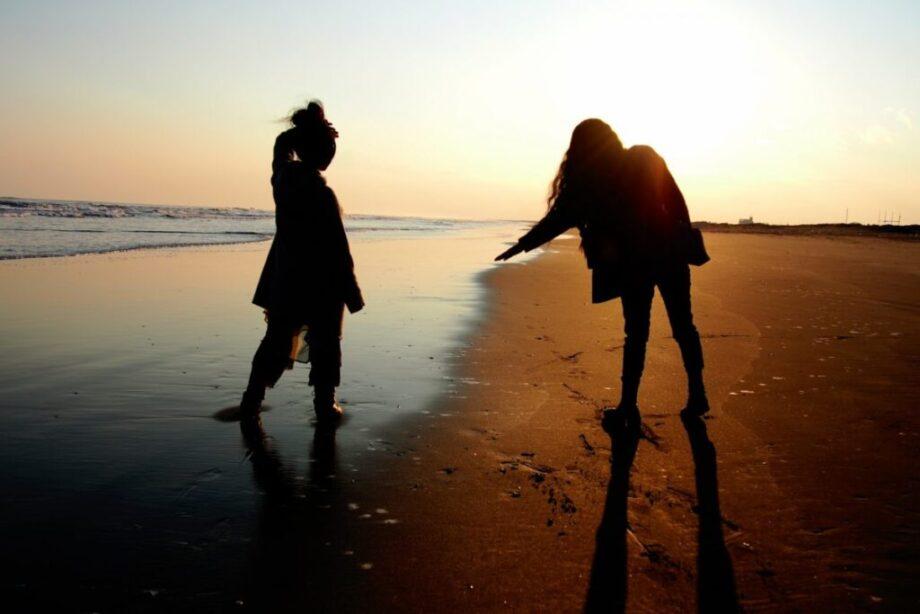 影に映る友情