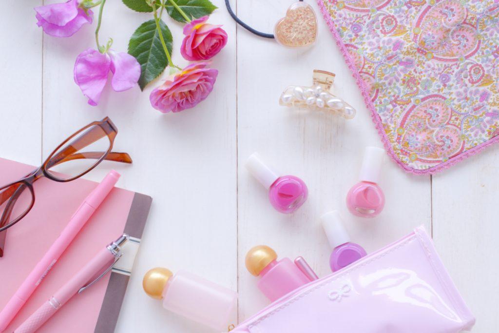 ピンク色の小物たち