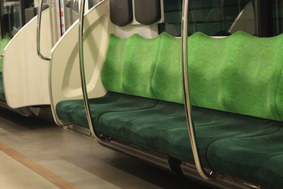 電車の座席