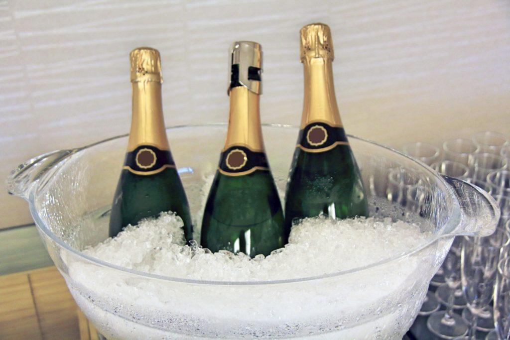 氷の中のシャンパン