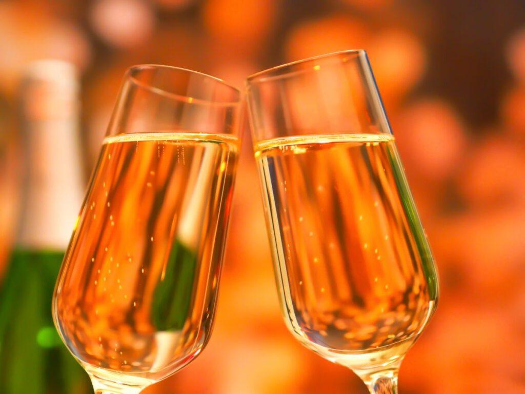 シャンパンと乾杯